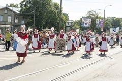 Parada do festival nacional estônio da música em Tallinn, Estônia Imagem de Stock Royalty Free