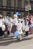 Parada do festival nacional estônio da música em Tallinn, Estônia Fotografia de Stock