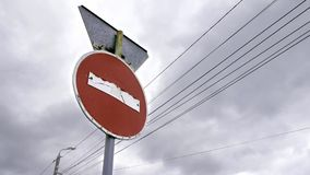 Parada do sinal de estrada vídeos de arquivo