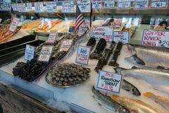 Parada fresca de los mariscos en mercado mojado público Fotografía de archivo