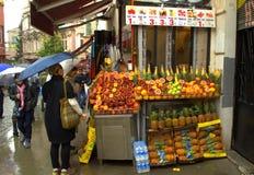 Parada fresca Estambul de los jugos Foto de archivo libre de regalías
