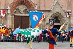 A parada medieval histórica do Palio foto de stock