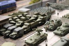 Parada militar, equipamento militar e sistemas da caminhada dos soldados imagem de stock