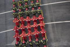 Parada militar que comemora o dia nacional de Romênia fotografia de stock