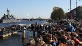 Parada naval dedicada a Victory Day em St Petersburg, Rússia filme