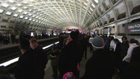 Parada ocupada del metro almacen de video