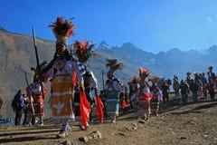 Parada przy Quyllurit& x27; inka festiwal w peruvian Andes zbliżam ausangate górę Obrazy Stock