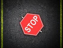 Parada - sinal de estrada Foto de Stock