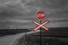 parada Vieja señal de tráfico roja fotografía de archivo libre de regalías