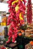 Paradas coloridas del mercado callejero Foto de archivo libre de regalías