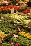 Paradas de las verduras frescas Imagenes de archivo