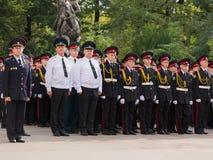 Parade am 1. September im ersten Moskau-Kadett-Korps lizenzfreie stockfotos