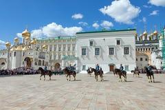Parade van presidentiële wachten in Moskou het Kremlin royalty-vrije stock afbeelding