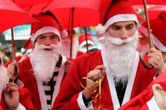 Parade van Santa Clauses in Uzhgorod Stock Afbeelding