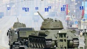 Parade zu Ehren des zweiten Weltkriegs Victory Day am 9. Mai stock video footage