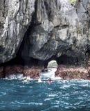 Paradies-EL Nido, versteckter Strandfelsen Stockbild