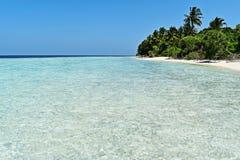 Paradiesstrand in Malediven lizenzfreie stockfotos