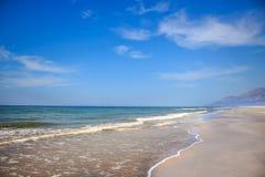 Paradijs Verlaten in de vroege zomer van oneindig lang Turks Patara-strand royalty-vrije stock afbeeldingen