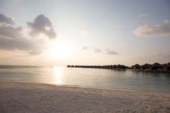 Paradis tropical exotique au-dessus de vue de l'eau Image stock