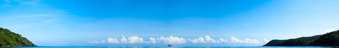 Paradise blue ocean water panorama. Plenty of copyspase. Horizon line Royalty Free Stock Images