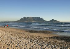Paradise found. Table mountain,cape town from blaauwberg strand Stock Photo
