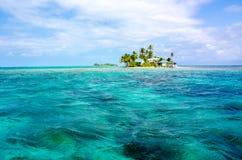 Free Paradise Island Stock Images - 41917094