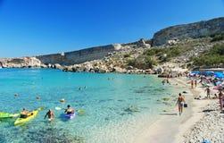 """Paradisfjärd, Malta †""""September 28, 2013 Paradisfjärd på Marfa Peninsula på September 28, 2013 Royaltyfri Foto"""