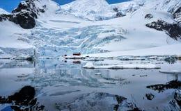 Paradishamn Antarktis Arkivbild