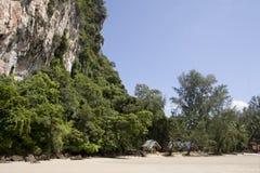 Paradisiac beach and cliff at Had Yao, Trang, Thailand Royalty Free Stock Photography