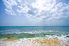 Paradisiac weißer Sandstrand Stockfoto