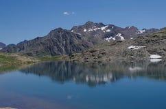 Paradiso nelle alpi - lago Forcola - Livigno, Italia Immagini Stock