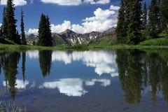 Paradisskiljelinje Reflectiion Fotografering för Bildbyråer