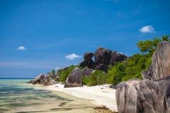 Paradisstrand av Seychellerna Royaltyfri Fotografi