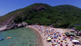Paradisstrand, härlig strand, underbara stränder runt om världen, Grumari strand, Rio de Janeiro, Brasilien lager videofilmer