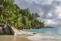 Paradisstrand på ansegeorgette, praslin, Seychellerna 25 royaltyfri fotografi