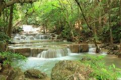Paradisvattenfall i Kanchanaburi, Thailand. Royaltyfria Foton