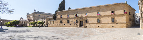 Paradorhotel en stadhuis van Ubeda, Jaen, Spanje royalty-vrije stock afbeelding