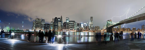 Parafuso de relâmpago sobre New York City fotografia de stock royalty free