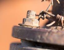 Parafuso oxidado em uma tubulação imagem de stock royalty free