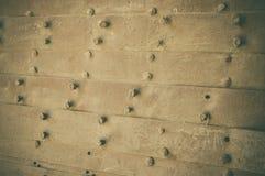 Parafusos no fundo de madeira Fotografia de Stock