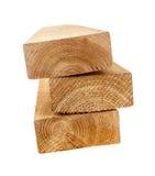 Parafusos prisioneiros 2x4 de madeira isolados Fotos de Stock Royalty Free