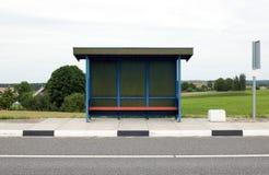 Paragem do autocarro azul Imagens de Stock Royalty Free