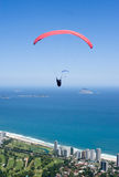 paraglider de Janeiro w Rio zdjęcia stock