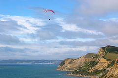 Paraglider em Eype Imagem de Stock Royalty Free