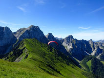 Paraglider flight with blue skies Stock Photography