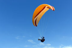 Paraglider flying above Mediterranean Royalty Free Stock Photography