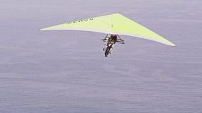 Paraglider i flykten lager videofilmer