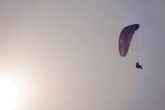 Paraglider i słońce Zdjęcia Royalty Free
