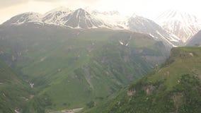 Paraglider latająca wysokość w górach zdjęcie wideo