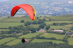Paraglider nad Dartmoor Zdjęcie Royalty Free
